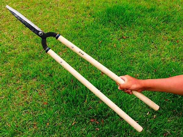 Manaka karikomi shears kanto type 210mm edges 600mm for Gardening tools vancouver
